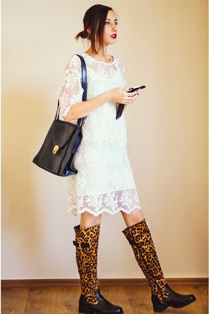 leopard red lips boots - lace Front Row Shop dress