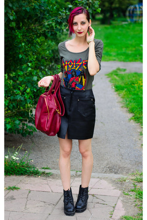 nowIStyle t-shirt - leather vintage skirt