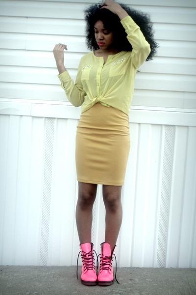 light yellow knit H&M blouse