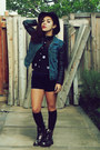 Heather-gray-silver-dr-martens-boots-black-target-hat-blue-thrifted-jacket