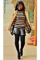 camel anne klien blazer - black faux leather William Rats shorts