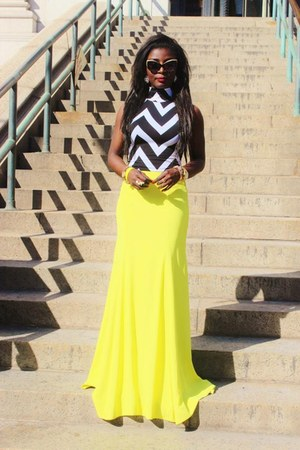 yellow BCBG skirt