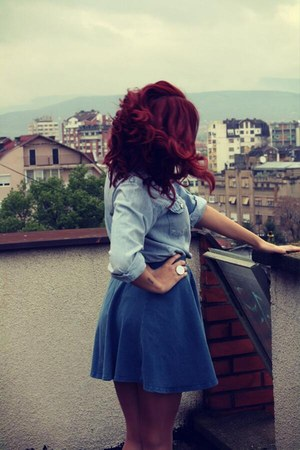 navy unknown skirt - sky blue jeans Levis shirt - white unknown ring