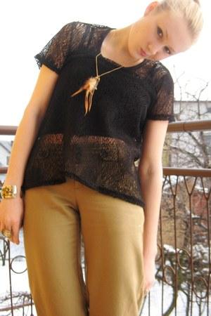 mustard ae pants - black Blouse blouse - eggshell Forever21 ring