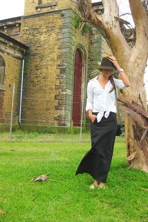 Frankie Sunshine blouse - Frankie sunshine Vintage skirt - YSL accessories