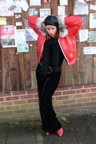 red vintage boots - black hat - red vintage jacket