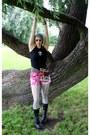 Heather-gray-crochet-beanie-thrifted-hat-black-steve-madden-boots