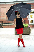 red rain Target boots - black Shopcalico sunglasses