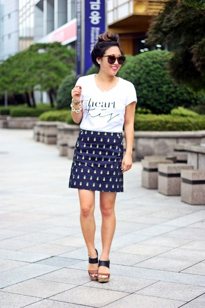 navy JCrew skirt - white graphic tee ByLucianaM shirt