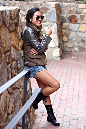 dark khaki Ali Express jacket - black UrbanOG boots