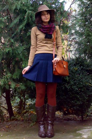 navy pleated thrifted skirt - dark brown old leather boots - camel Zara sweater