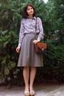 Cream-paisley-mango-blouse-burnt-orange-thrifted-purse-beige-leather-wedges
