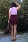 Black-hat-crimson-vintage-purse-tawny-leather-sandals-maroon-skirt
