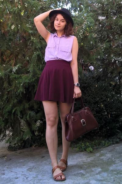 maroon skater skirt - black hat - crimson vintage purse - tawny leather sandals