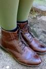 Dark-brown-leather-boots-dark-khaki-tights