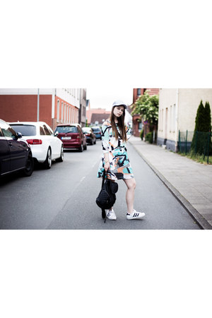 aquamarine sweater - black New Yorker bag - ivory Adidas sneakers