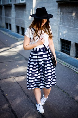 black H&M hat - ivory New Yorker shirt - black Monki bag - navy asos skirt