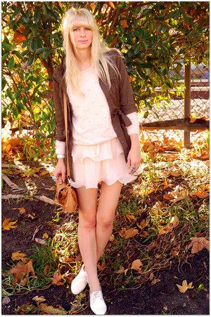 light pink vintage sweater - peach H&M dress - white dieppa restrepo shoes