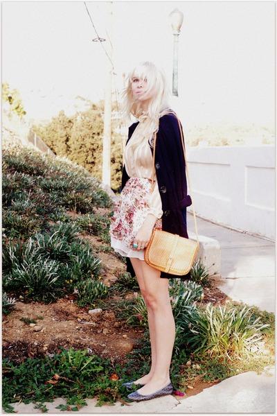 beige vintage blouse - beige vintage skirt - beige vintage purse - blue vintage