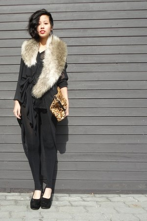black DIY leggings - camel H&M scarf - tawny Zara bag - black weekday blouse - b