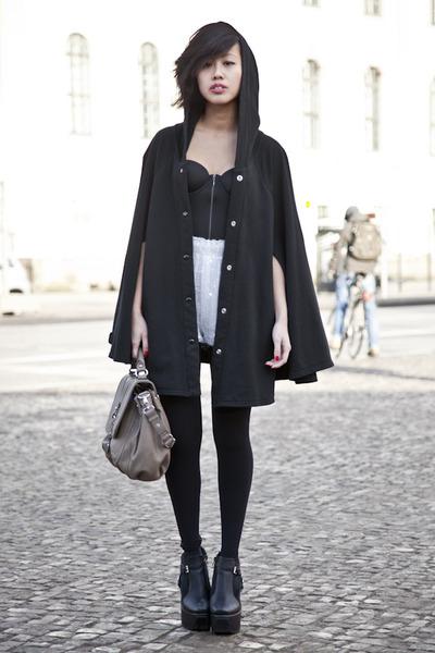 tan Zara bag - eggshell AVANTGARDE shorts - black unknown heels - black H&M bra