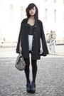 Tan-zara-bag-eggshell-avantgarde-shorts-black-unknown-heels-black-h-m-bra-