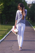 white Stradivarius jeans - white Bershka bag - silver Bershka sandals