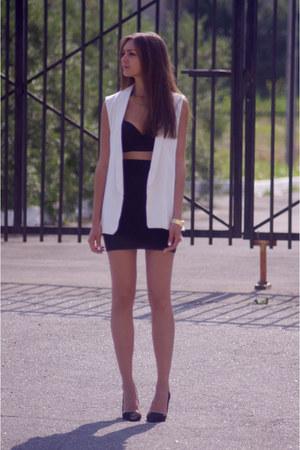 white chicnova blazer