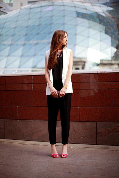 black chiffon vjstyle romper - white chicnova vest