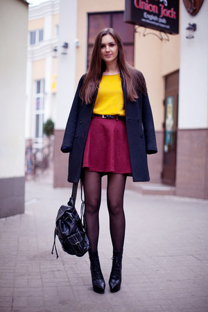 mustard chicnova sweater - black H&M coat - black backpack vjstyle bag