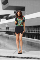 green OASAP top - black Bershka shoes - black Chicwish bag - black Zara shorts