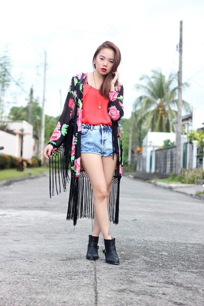 necklace Edge Co necklace - kimono OASAP cardigan