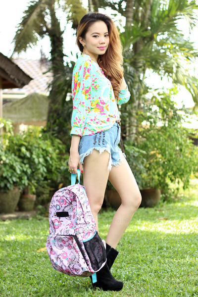 convertible bag Parachute Bags bag - denim OASAP shorts - pink romwe necklace