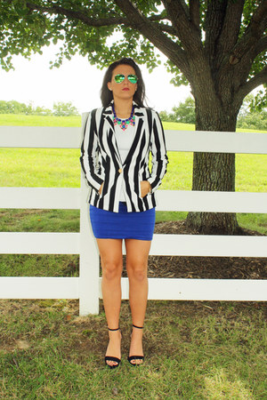 Bebe jacket - ray-ban sunglasses - Love Culture skirt