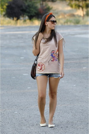 open back top - jeans shorts - hair accessory - flats