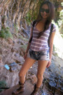 Steve-madden-boots-pitaya-shorts-urban-outfitters-top