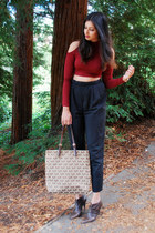 crop Tobi top - mk logo Michael Kors bag - brown Aldo heels