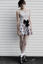 The Spotted Dress
