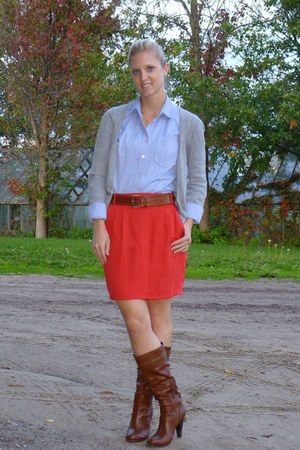 Forever 21 skirt - Guess boots - Urban Behaviour sweater - Joe Fresh shirt