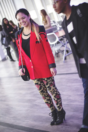 red baroque Forever 21 leggings - black shoes - red vintage blazer