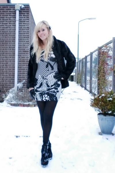 black H&M coat - white H&M dress - black H&M tights - black H&M Divided exclusiv