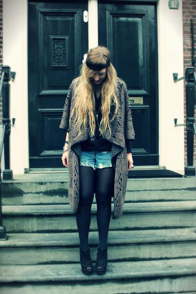 sky blue levis vintage shorts - black H&M blouse - light brown SuperTrash cape