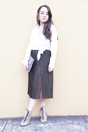 Forever 21 skirt - bcbg max azria bag - Urban Outfitters blouse