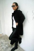 black firmoo sunglasses - black oversized H&M bag