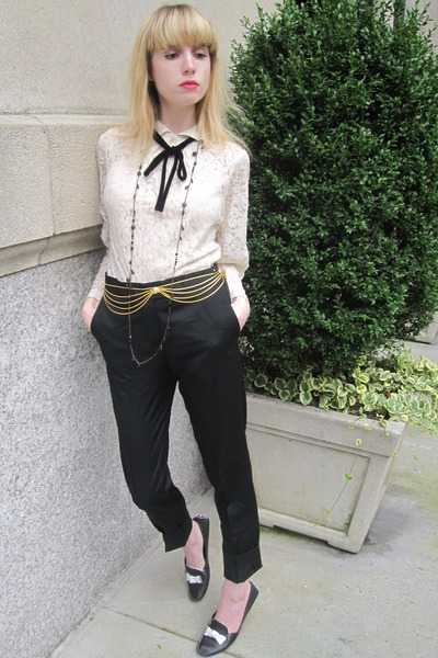 gold chain vintage belt - ivory lace vintage raynas blouse
