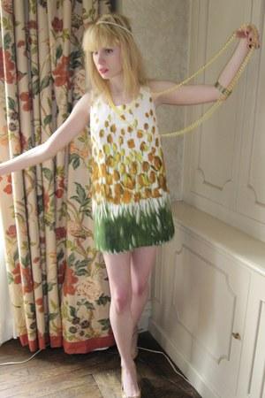 burnt orange cameo vintage ring - yellow tulip Anna Sui dress - ivory pearl