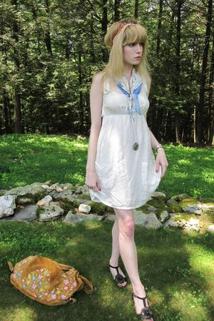 white Ella Moss dress - pink vintage necklace - red necklace - yellow Vintage Al