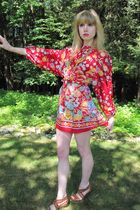 red Vintage Marty Gutmacher dress - gold vintage belt - gold vintage necklace -