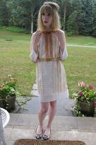 beige Anna Sui dress - beige vintage belt - white vintage necklace - beige delma