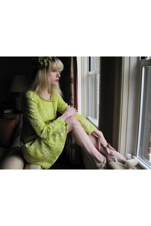 lime green lace moschino cheap & chic coat - chartreuse leafy vintage hat - bron
